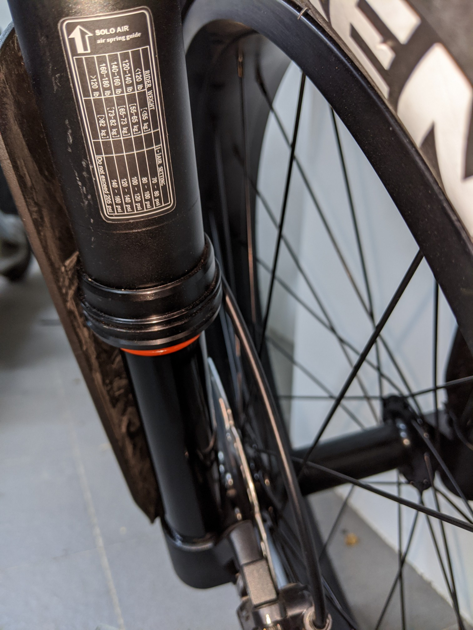 how to fill air for front suspension
